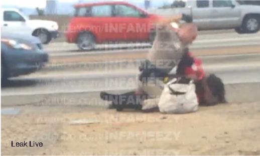 """שוטר תנועה בארה""""ב מכה אישה שחורה (מקור: LiveLeak) cop"""