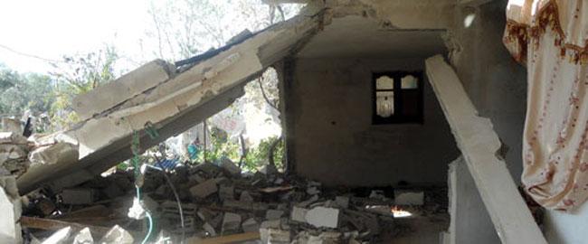 מה שנותר מביתו של שאדי ברכה לאחר ההפצצה הישראלית (צילום: בצלם) עזה צוק איתן gazashadi