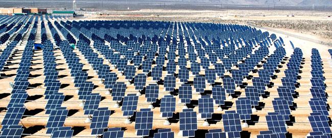 """פאנלים לייצור חשמל סולארי בנבאדה, ארה""""ב (מקור) solarpanels"""