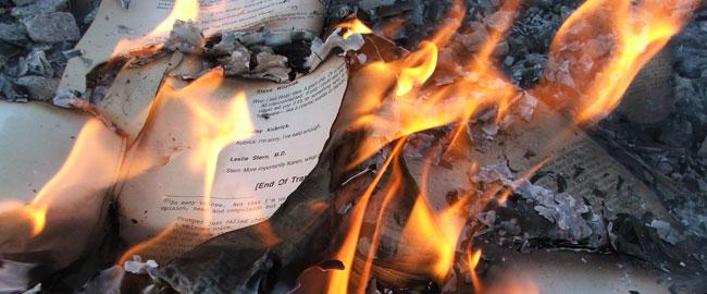 ספרים שריפה תרבות צנזורה הריסות פשיזם book-burning