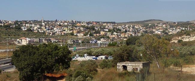 כביש ואדי ערה, סמוך לכפר קרע (מקור) ערבים פלסטינים המשולש WADI-Ara_panorama_01