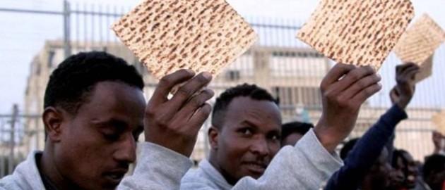 פליטים מבקשי מקלט סודן אריתראה חולות סדר פסח חירות עבדות plitim-pesah