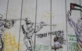 גרפיטי על החומה בבית לחם (צילום: אקטיבסטילס) כיבוש פלסטין פלסטינית צבא חיילים אמנות מחאה דגל palestine-grafitti