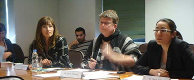 גנילה אקברג (מרכז) פעילה למען חוק הפללת הלקוח (מקור) שבדיה זנות gunilla