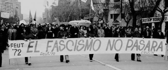 """""""הפשיזם לא יעבור"""" צ'ילה, 1972 הפגנה מחאה דמוקרטיה דרום אמריקה nopasara"""