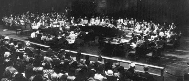 """עצרת האו""""ם מאשרת ברוב של יותר משני שלישים (33 בעד, 13 נגד, ו-10 נמנעים) את המלצות ועדת אונסקו""""פ לסיים את המנדט הבריטי בא""""י ולהקים בה שתי מדינות. (מקור) ישראל פלסטין עצמאות נכבה מלחמה כט בנובמבר   kaftet"""